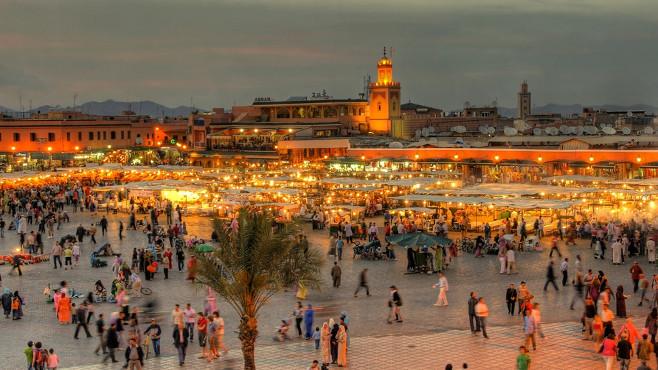 marrakech in de avond