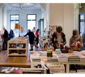 t stad leest boekwinkel antwerpen